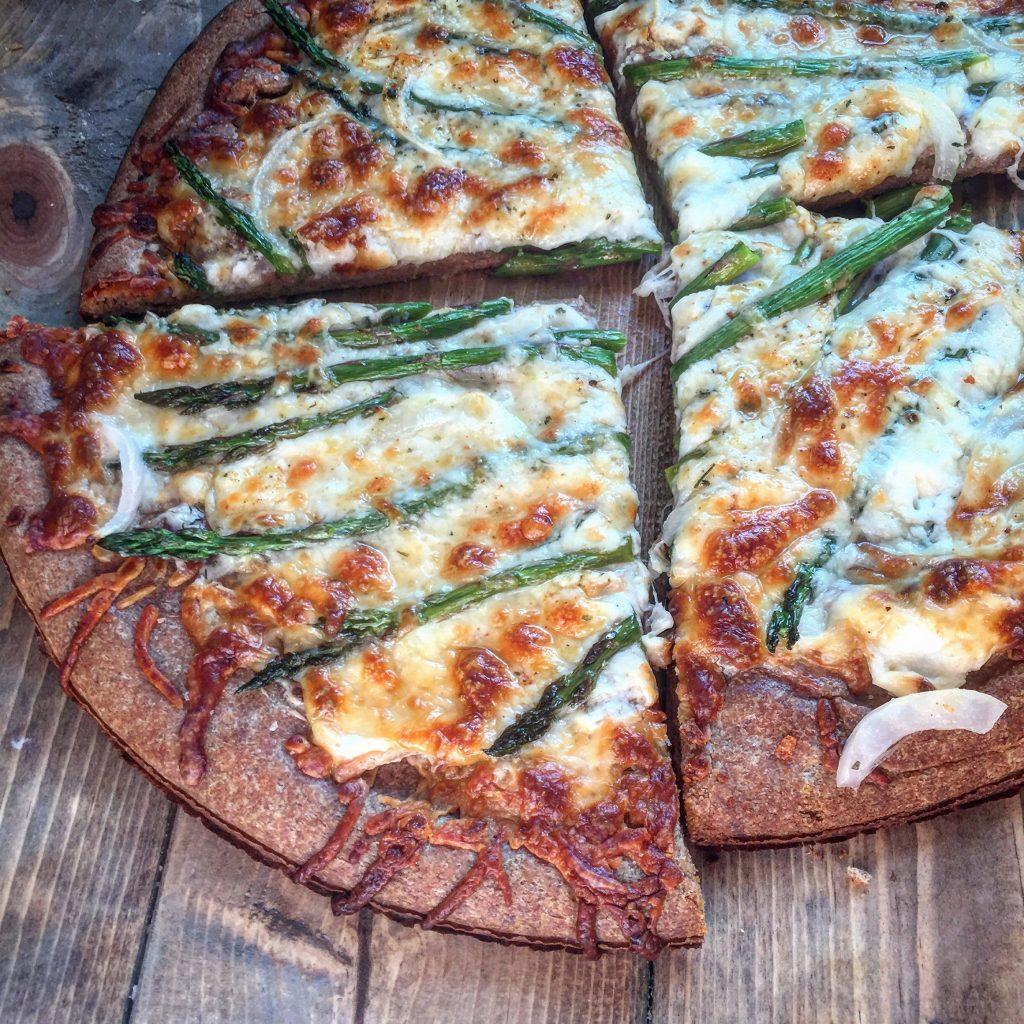 Asparagus White Pizza