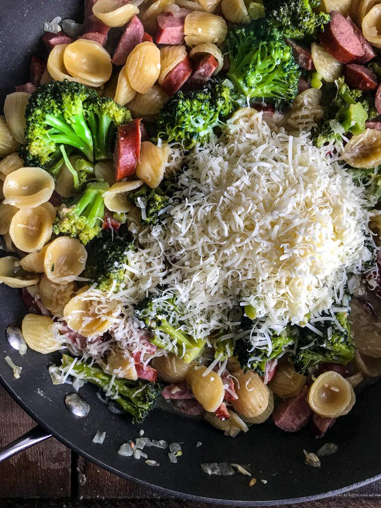 One Pot Smoked Sausage Broccoli Pasta